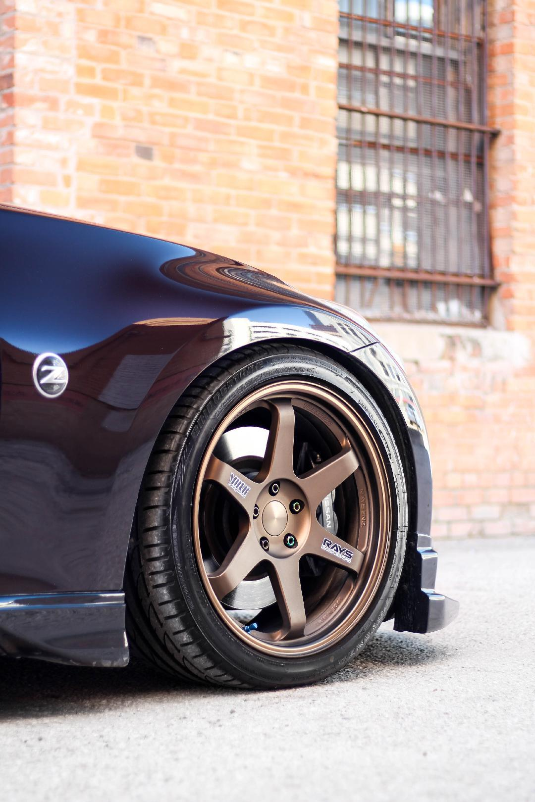 2010 Nissan 370Z on Volk Racing TE37