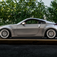 Silver/Chrome 2003 Nissan 350Z on Silver/Chrome Avant Garde M220